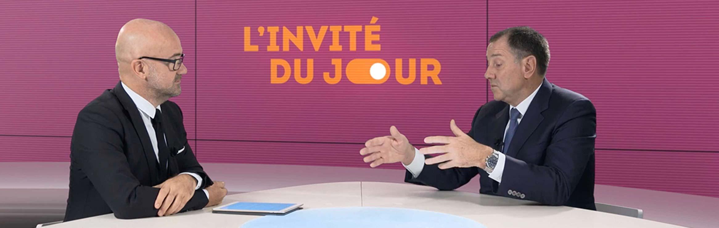 Plateau TV sur fond vert à Paris - Videology Studio