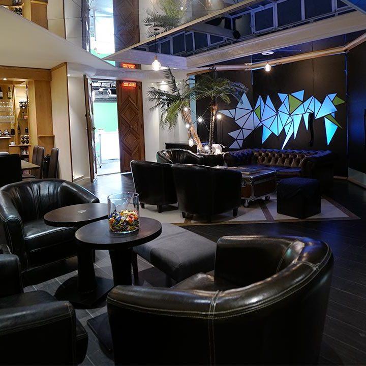 Spacious lounge - film studio in Paris - Videology Studio