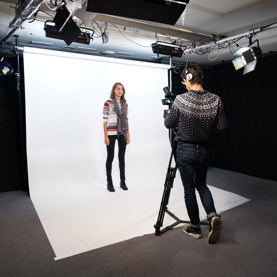 White backdrop - Video production studio in Paris - Videology Studio