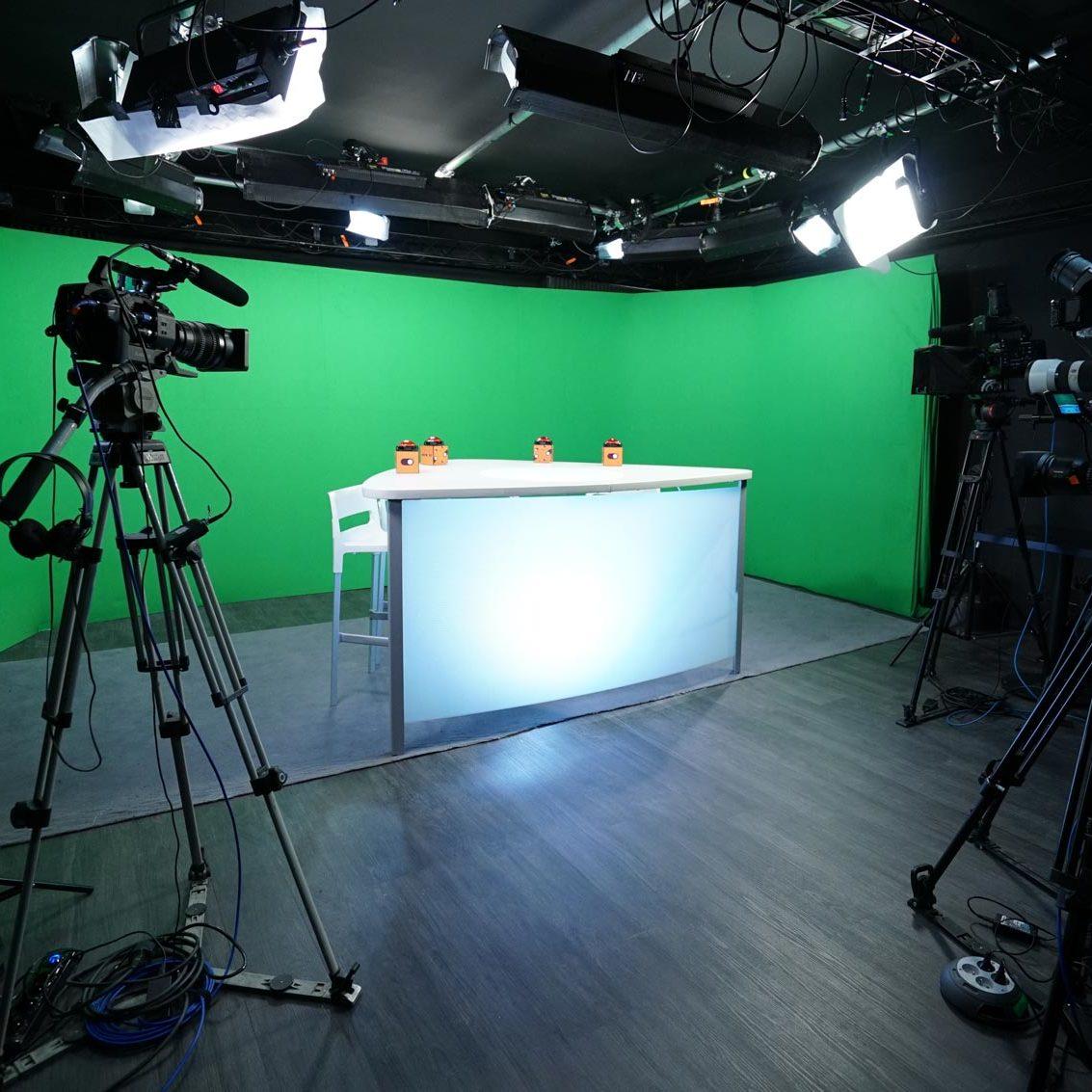 Green screen for talk show - Paris - Videology Studio