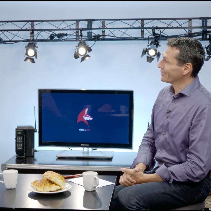Interview set - film studio in Paris - Videology Studio