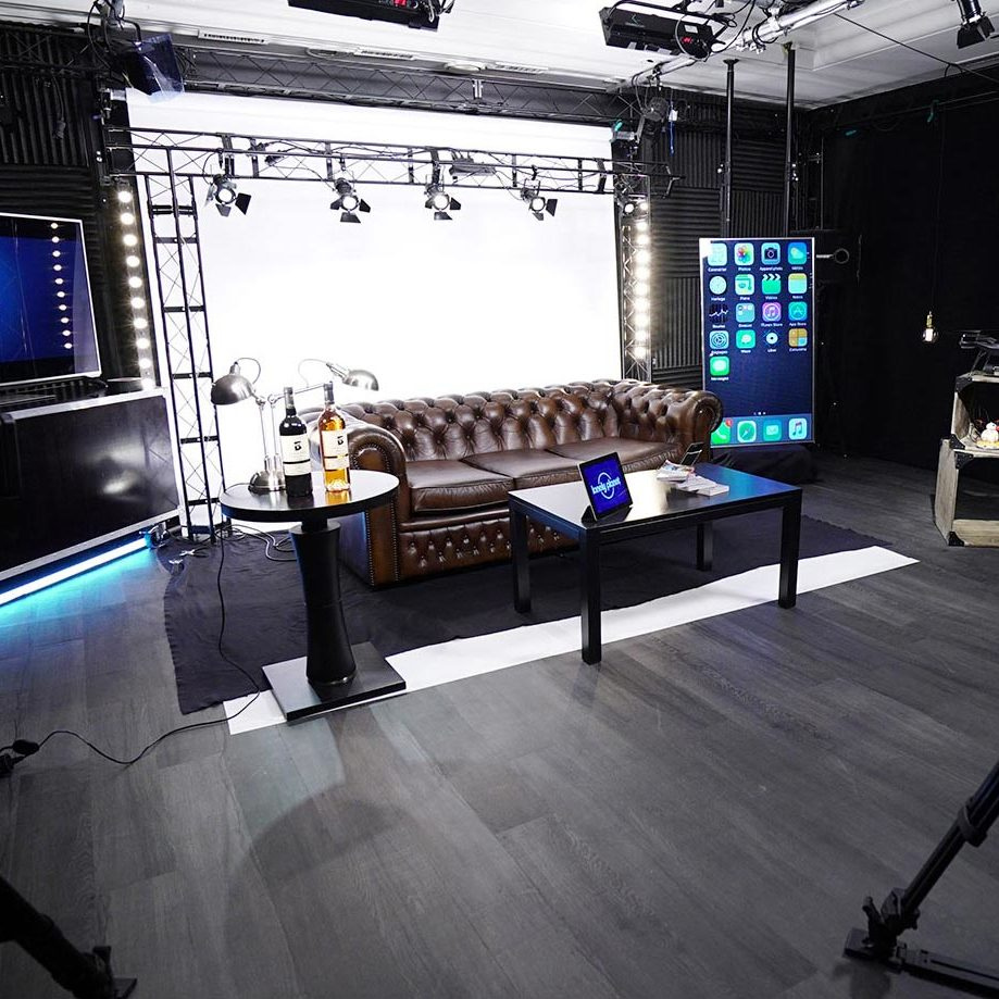 Talk show set - video production studio in Paris - Videology Studio